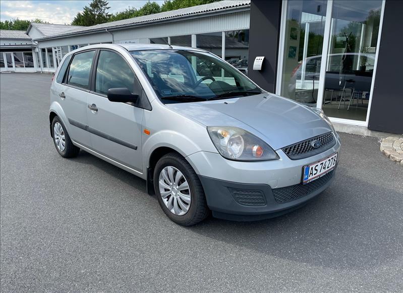 Salg af nyere brugte biler -  Ford - sælges