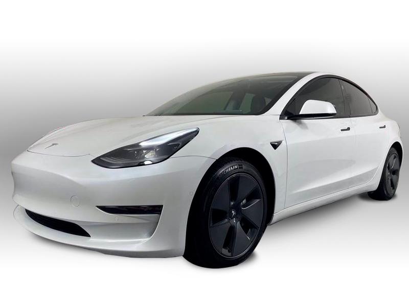 Salg af nyere brugte biler -  Tesla - sælges